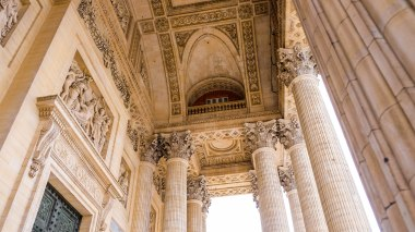 Sep16 | The Pantheon's beautifully structured ceilings and Corinthian order