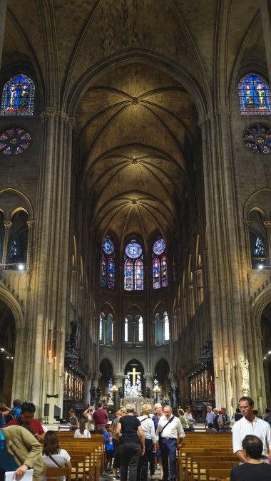 Sep16 | Inside Notre Dame de Paris