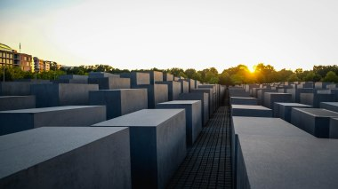 Sep16 | The Holocaust Memorial